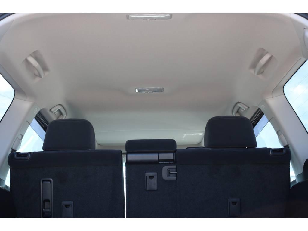 広々した天井!フリップダウンモニターの取り付け事例もございます。 | トヨタ ランドクルーザープラド 2.7 TX 4WD 7人 新車未登録車 9インチナビ