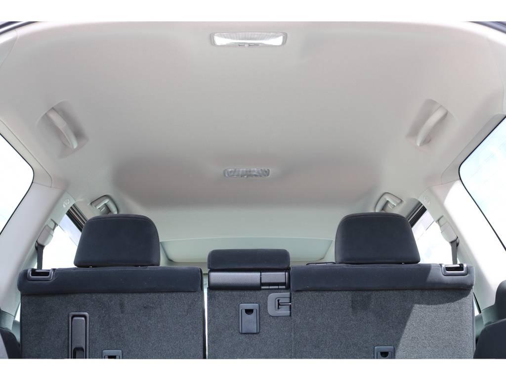 広々した天井!フリップダウンモニターの取り付け事例もございます。 | トヨタ ランドクルーザープラド 2.8 TX ディーゼルターボ 4WD 7人 新車未登録車 ディーゼル