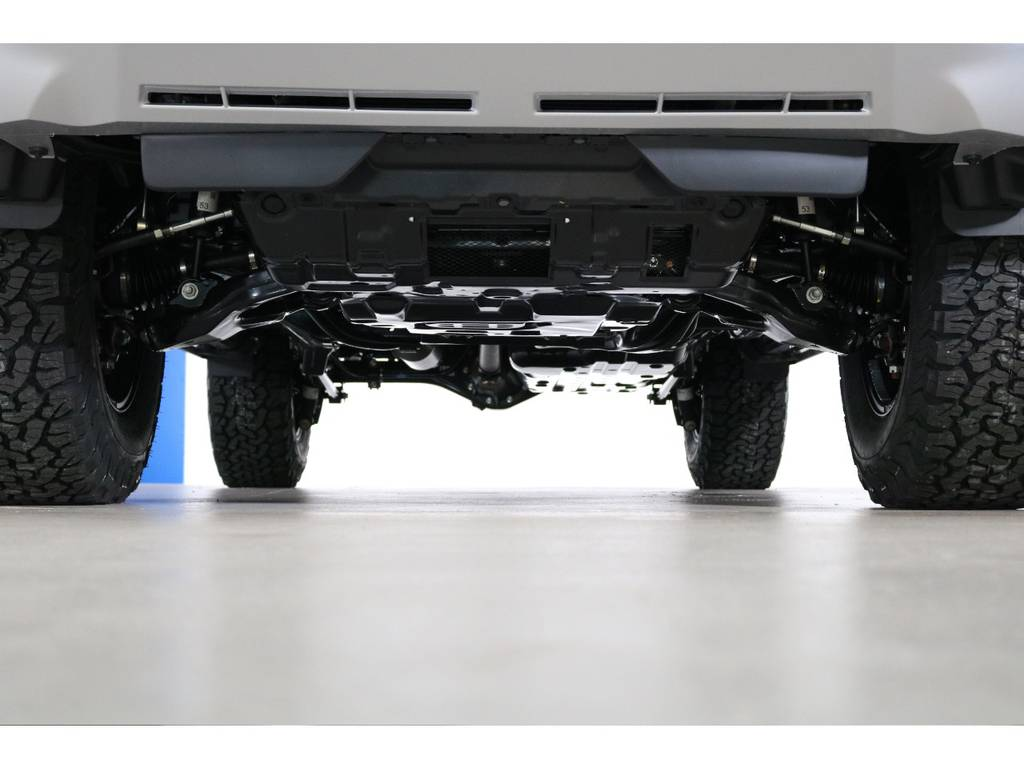 ご希望がございましたら下廻り防腐パスター仕上げもできます!お気軽にご相談ください! | トヨタ ランドクルーザープラド 2.8 TX ディーゼルターボ 4WD 7人 新車未登録車 ディーゼル