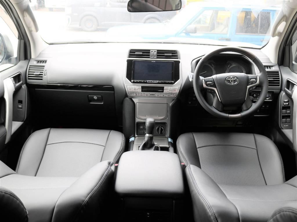 内装ブラック☆ | トヨタ ランドクルーザープラド 2.8 TX ディーゼルターボ 4WD 7人 試乗車 2インチUP