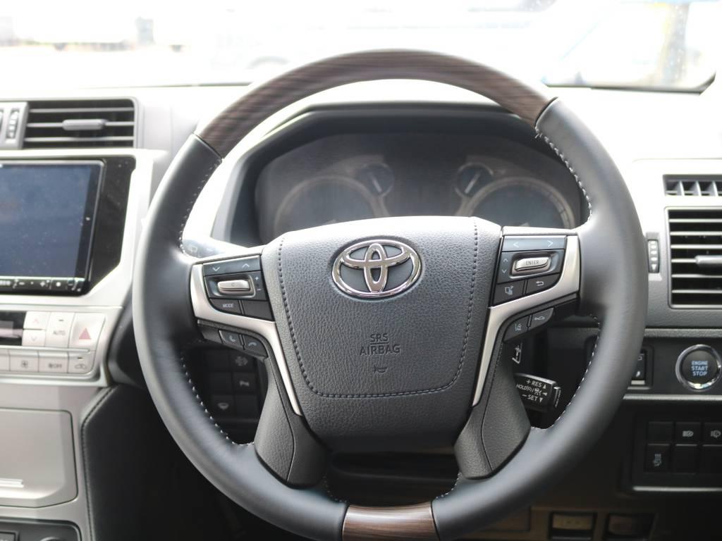 別注ウッドステアリング☆ | トヨタ ランドクルーザープラド 2.8 TX ディーゼルターボ 4WD 7人 試乗車 2インチUP