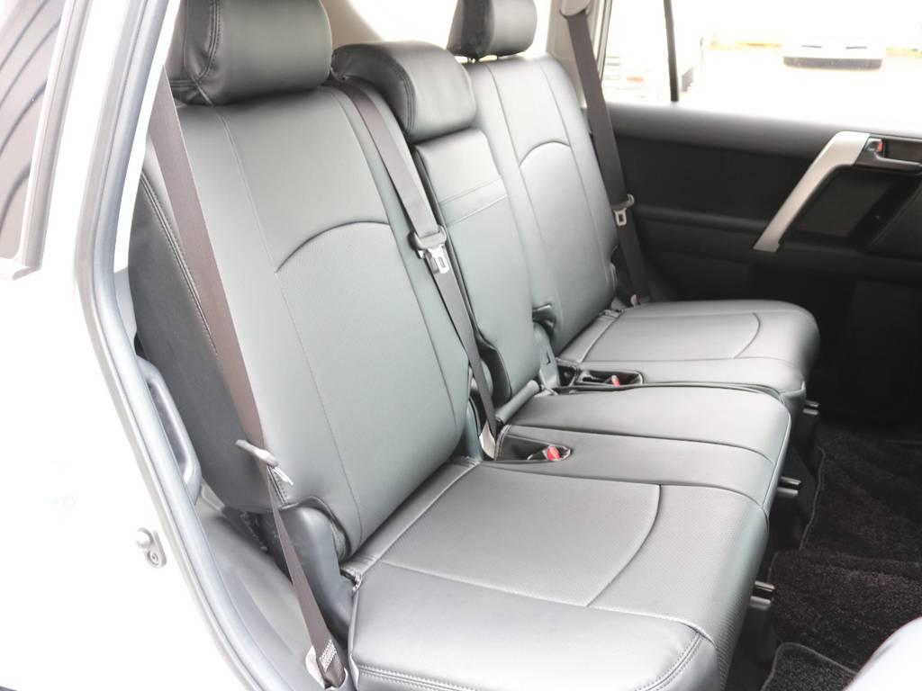 後部座席も装着☆ | トヨタ ランドクルーザープラド 2.8 TX ディーゼルターボ 4WD 7人 試乗車 2インチUP