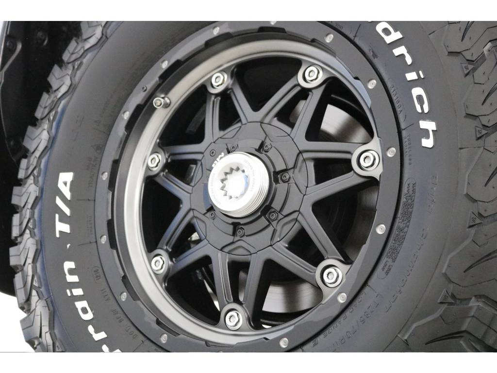 新品ライカン17インチホイール&新品BFグッドリッチATタイヤを装着致しました!   トヨタ ランドクルーザープラド 2.7 TX 4WD 5人 新車未登録車 9インチナビ