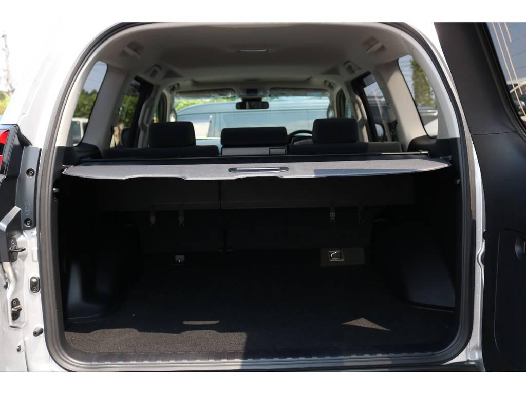 荷室も隠せますのでプライベートも守れます!   トヨタ ランドクルーザープラド 2.7 TX 4WD 5人 新車未登録車 9インチナビ