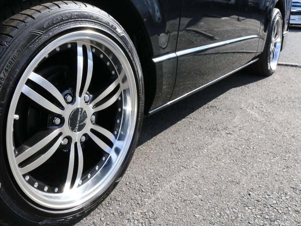バッドラッカー18インチアルミホイール&新品グッドイヤー18インチタイヤ!! | トヨタ ハイエースバン 2.0 スーパーGL 50TH アニバーサリー リミテッド ロングボディ オリジナル内装Ver4