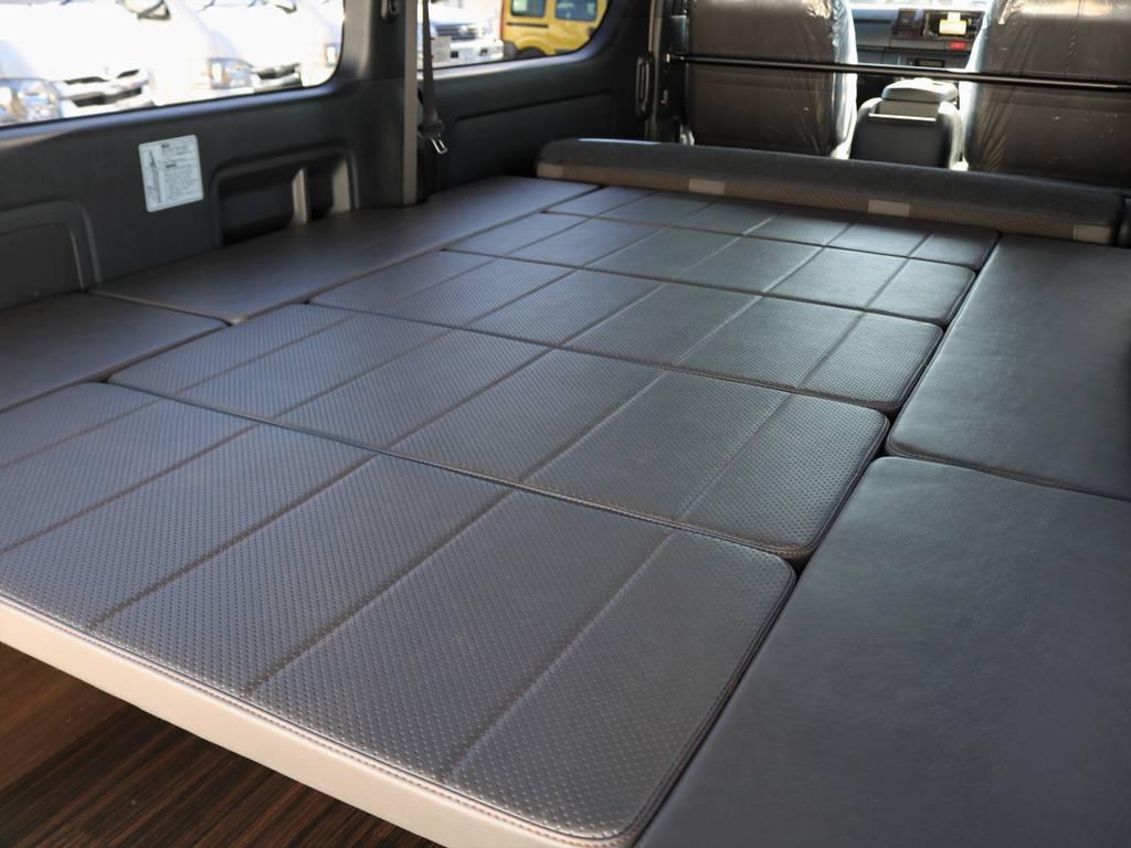 フルフラットベッドキットで車中泊が可能!ゆったりゴロっと寝れますよ♪