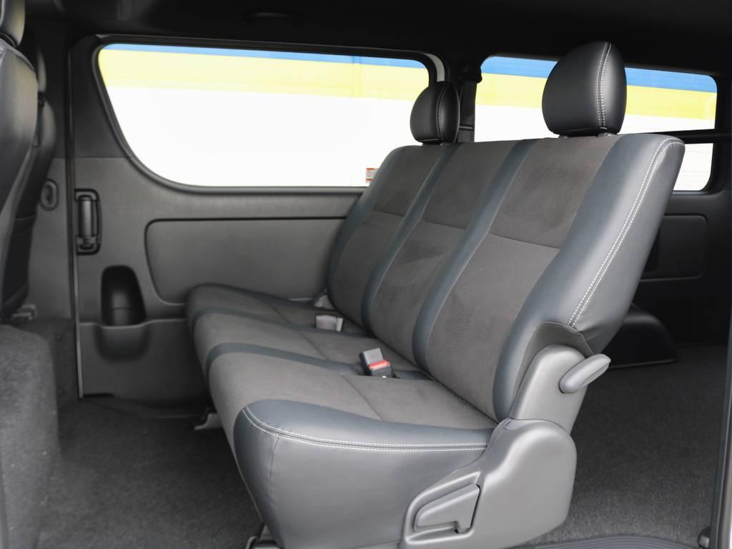 シートは可倒式でさらに荷物スペースを広げられますよ♪ | トヨタ ハイエースバン 2.8 スーパーGL ダークプライムⅡ ロングボディ ディーゼルターボ 小窓付