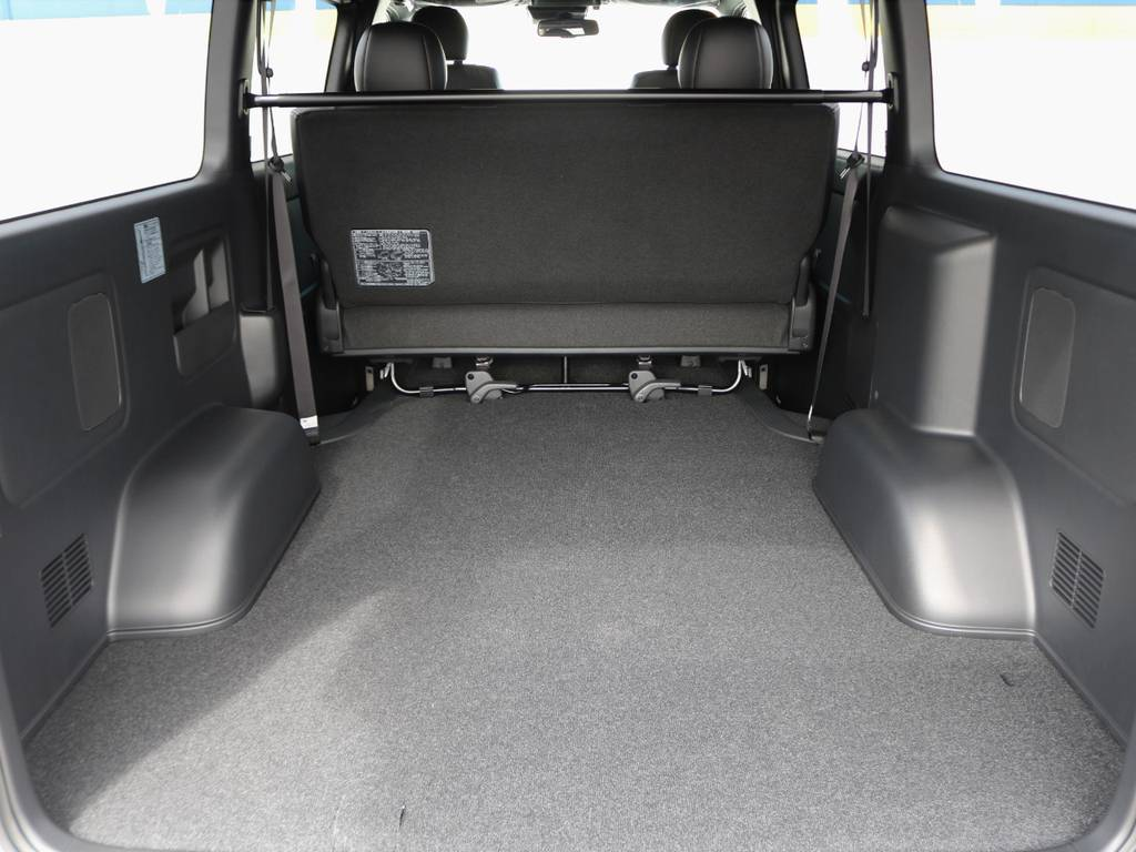 幅広い荷物スペース!ベットキットや床張りフローリングフロアなど追加のカスタムも承ります。お気軽にご相談下さい。 | トヨタ ハイエースバン 2.8 スーパーGL ダークプライムⅡ ロングボディ ディーゼルターボ 小窓付
