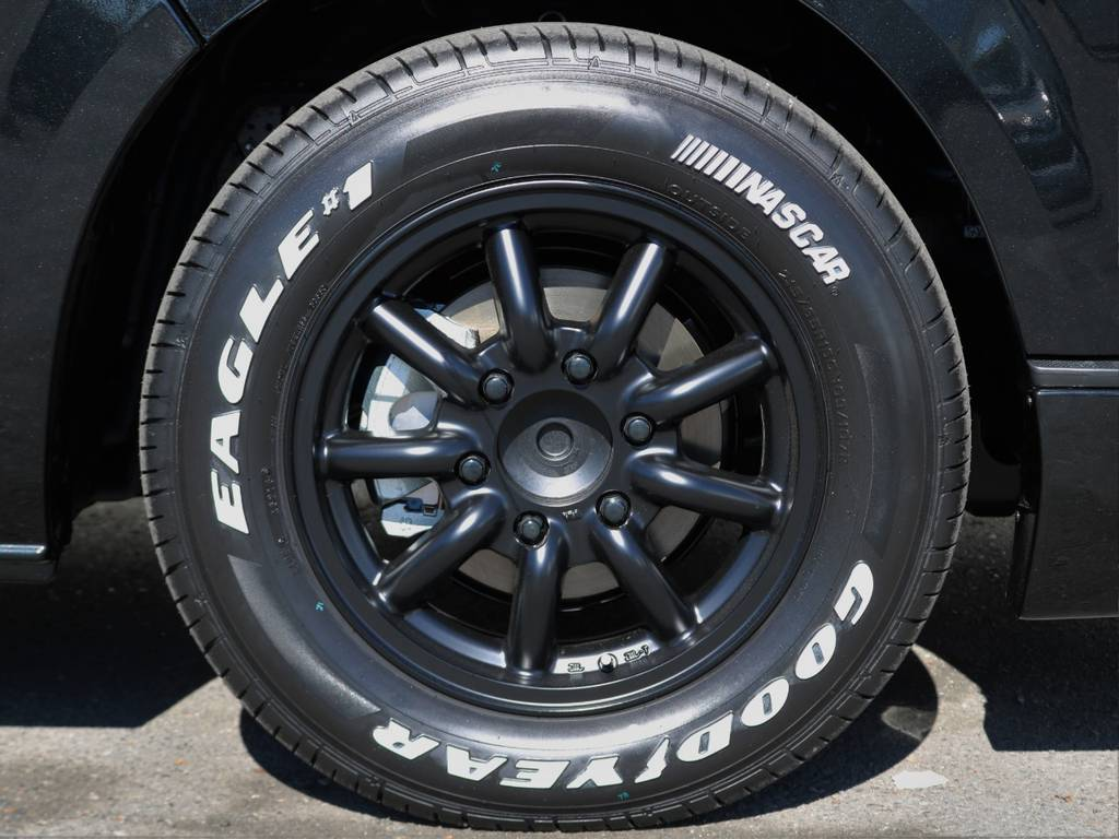 ファブレス MC-9 16インチアルミホイールにグッドイヤーナスカーホワイトレタータイヤ! | トヨタ ハイエースバン 2.8 スーパーGL ダークプライムⅡ ロングボディ ディーゼルターボ 小窓付