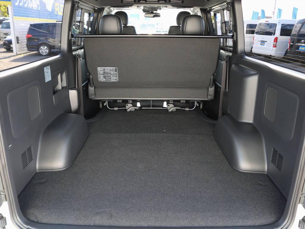幅広い荷物スペース!ベットキットや床張りフローリングフロアなど追加のカスタムも承ります。お気軽にご相談下さい。   トヨタ ハイエースバン 2.0 スーパーGL ダークプライムⅡ ロングボディ FLEXカスタム ナビパッケージ