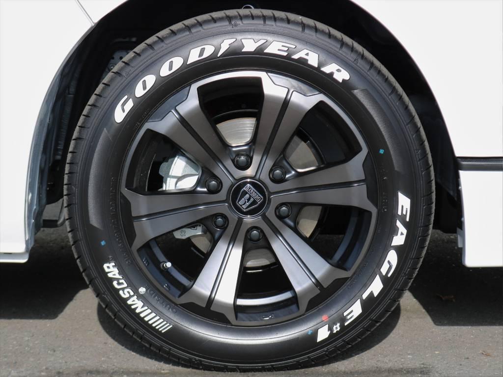 バルベロ アーバングランデ 17インチアルミホイールにグッドイヤーナスカーホワイトレタータイヤ!   トヨタ ハイエースバン 2.0 スーパーGL ダークプライムⅡ ロングボディ FLEXカスタム ナビパッケージ