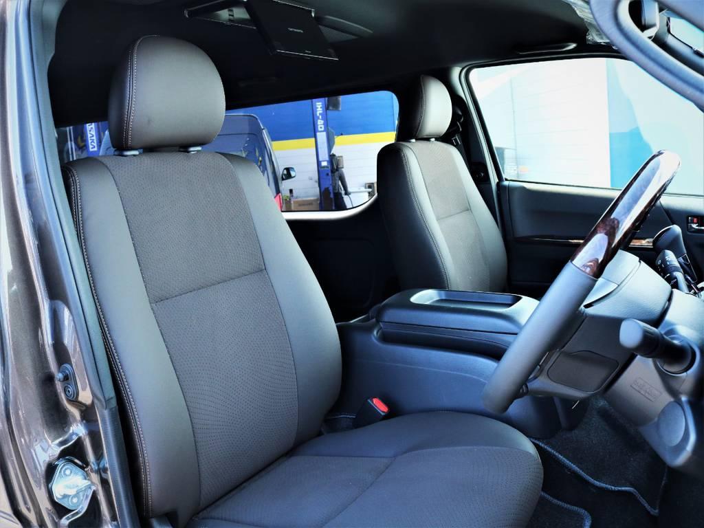運転席シート、ハーフレザーシート! | トヨタ ハイエースバン 2.7 スーパーGL 50THアニバーサリー リミテッド ワイド ミドルルーフ ロングボディ4WD 内装VER4