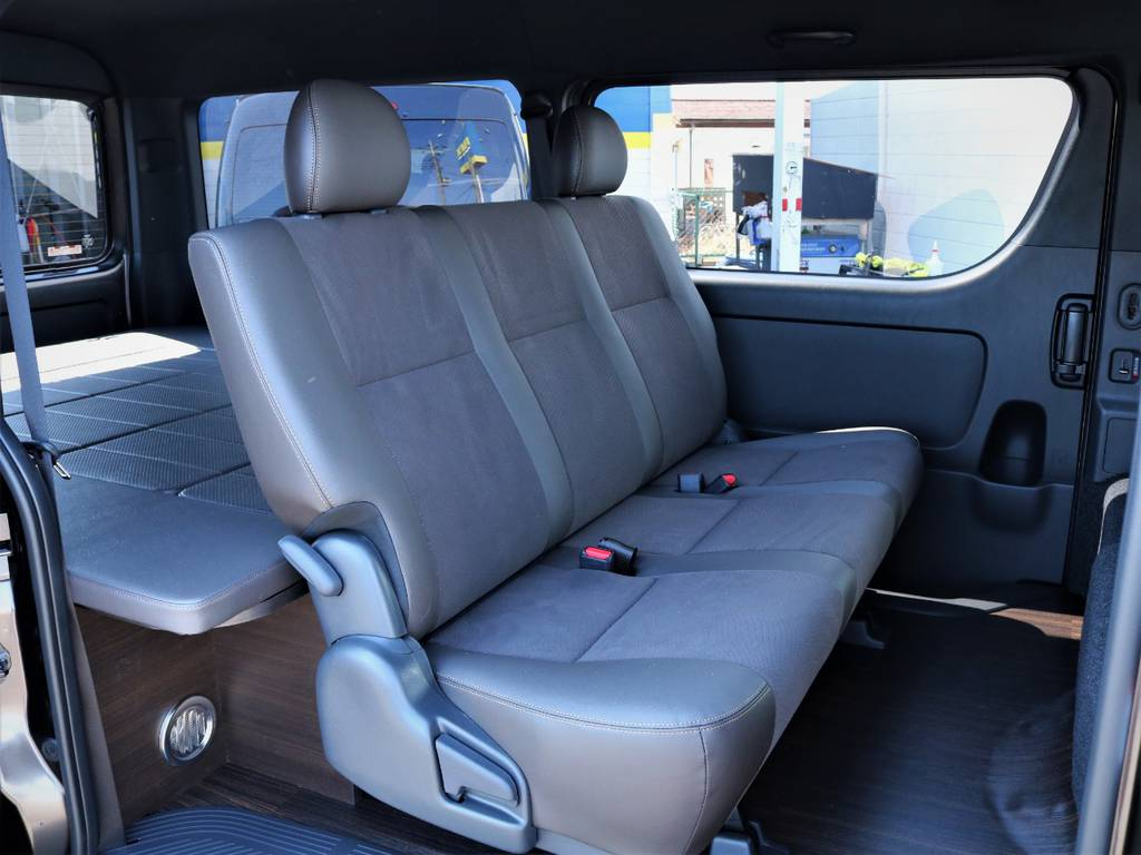 セカンドシート! | トヨタ ハイエースバン 2.7 スーパーGL 50THアニバーサリー リミテッド ワイド ミドルルーフ ロングボディ4WD 内装VER4