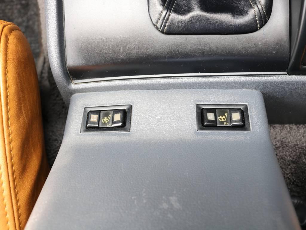 シートヒーターもございますので冬場も快適です! | トヨタ ランドクルーザー80 4.5 VXリミテッド 4WD 丸目 60フェイス