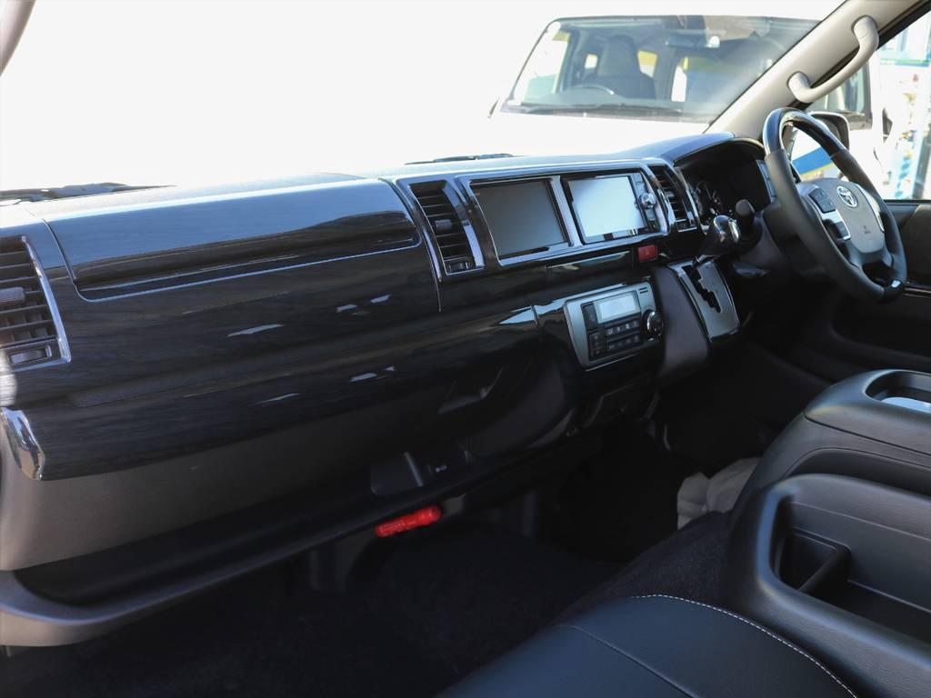 ボディーコーティング、ウィンドウフィルム、各部LED化などご希望されるお客様もよくいらっしゃいますよ♪ | トヨタ ハイエース 2.7 GL ロング ミドルルーフ アレンジR1 トリプルモニター