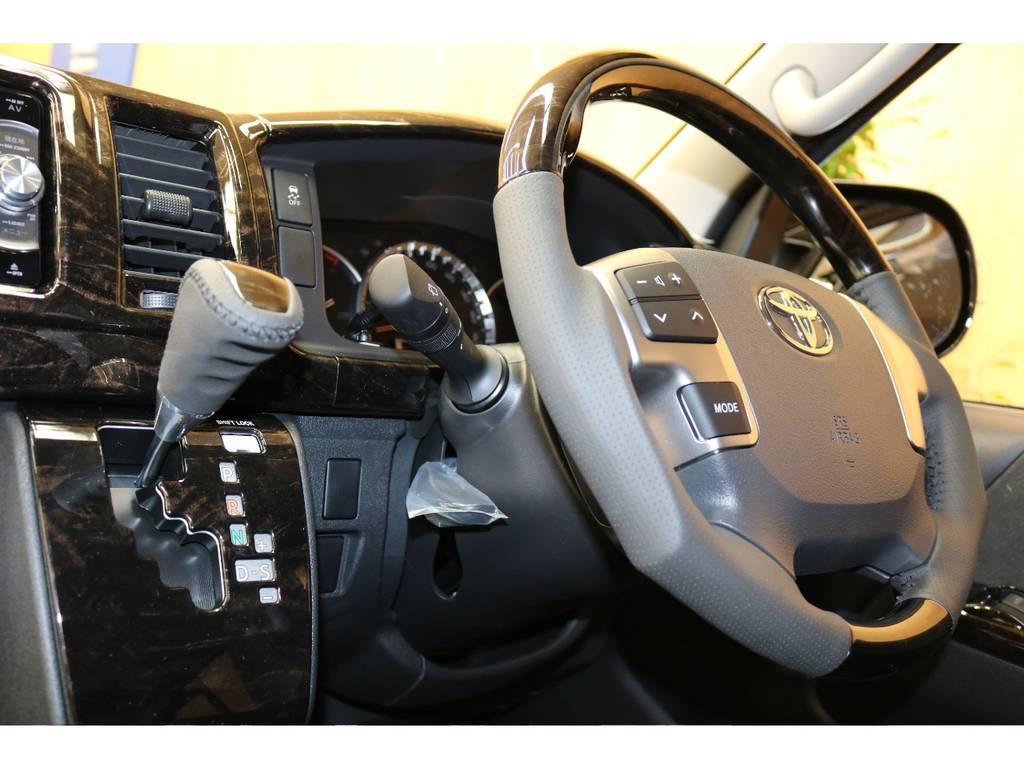 ハンドルシフトノブも変更しております♪ | トヨタ ハイエース 2.7 GL ロング ミドルルーフ 4WD オリジナル内装架装アレンジR1