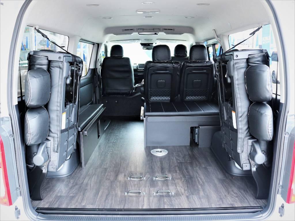 4列目跳ね上げ可能です。収納スペース広々御座います! | トヨタ ハイエース 2.7 GL ロング ミドルルーフ 4WD アレンジR1