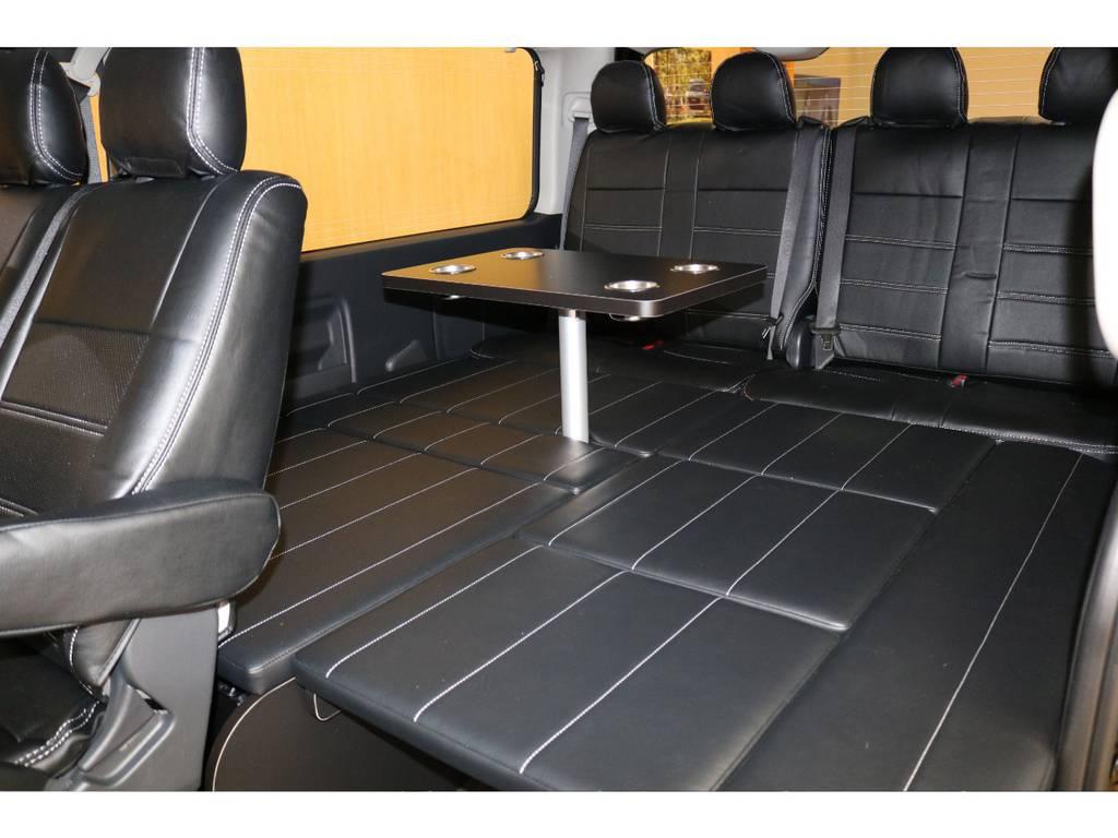 テーブルも付いております! | トヨタ ハイエース 2.7 GL ロング ミドルルーフ 4WD オリジナル内装架装R1