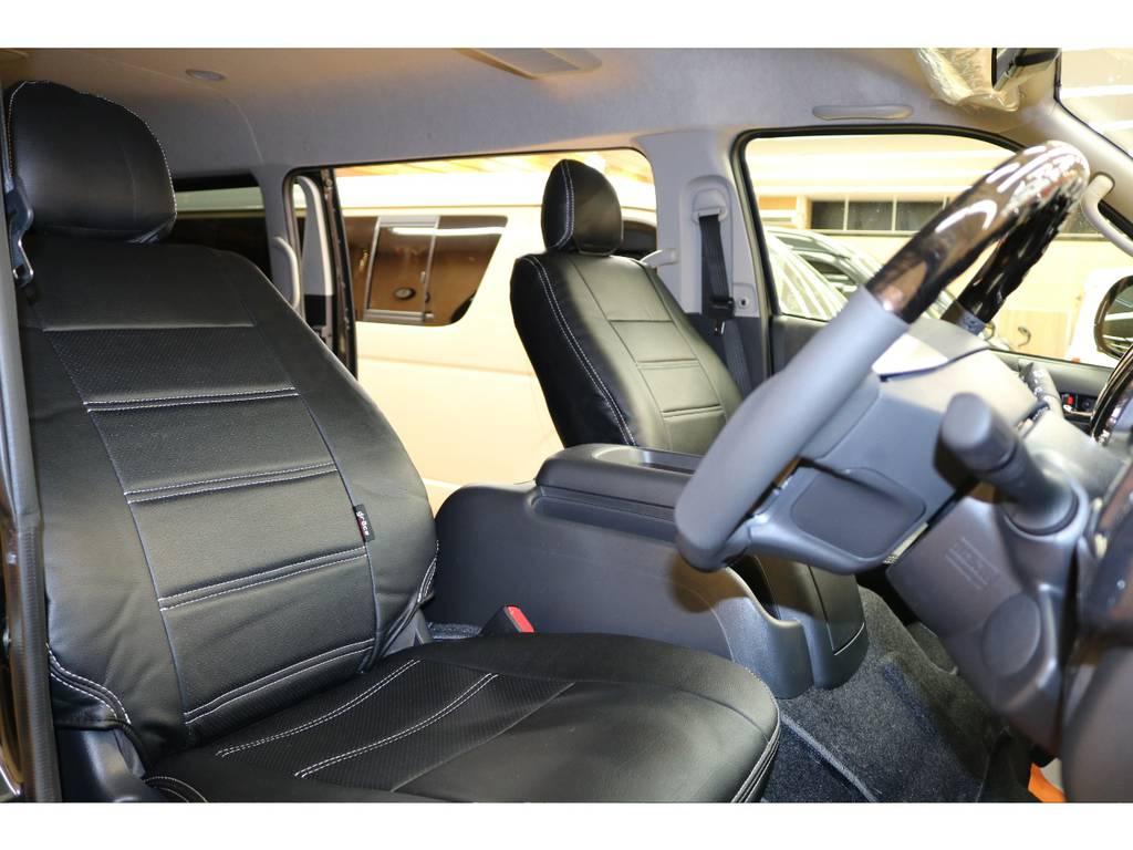 黒革調シートカバー装着しております♪ | トヨタ ハイエース 2.7 GL ロング ミドルルーフ 4WD オリジナル内装架装R1