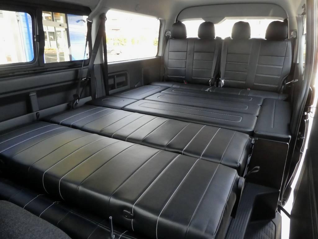 ベンチシートをアレンジ!フルフラットベットとしてご利用ください!! | トヨタ ハイエース 2.7 GL ロング ミドルルーフ 4WD 内装架装 アレンジAS