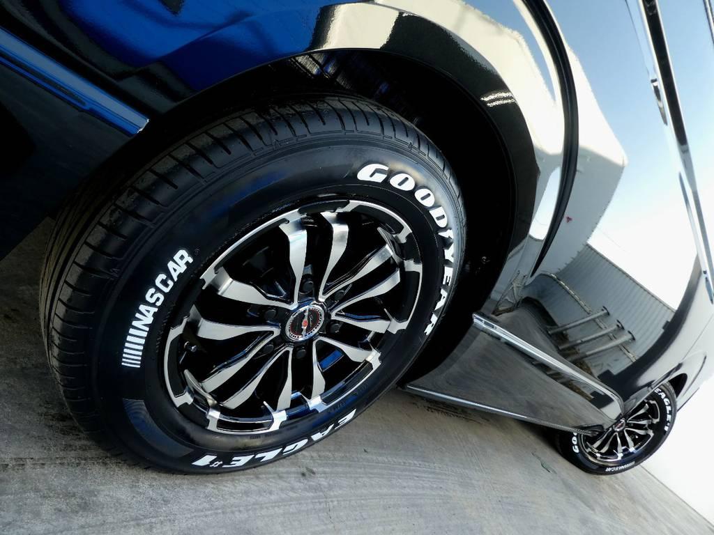サイドラインを力強く彩るアルミフェイス!! | トヨタ ハイエース 2.7 GL ロング ミドルルーフ 4WD 内装架装 アレンジAS