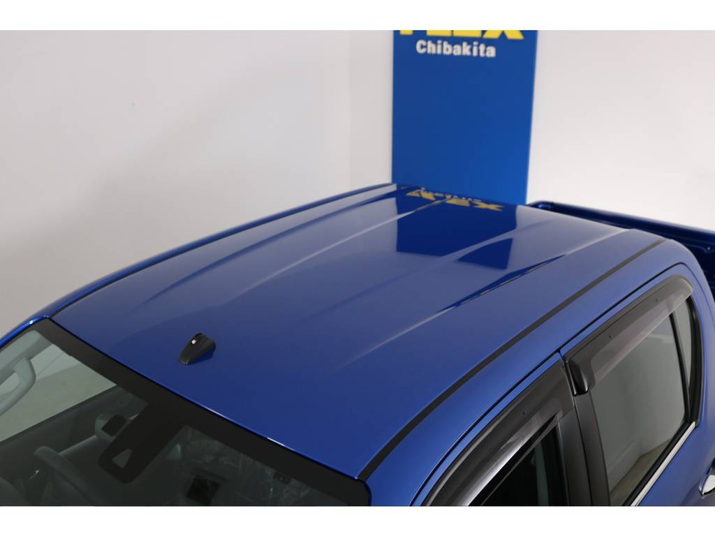 屋根も新車ですのできれいな状態です! | トヨタ ハイラックス 2.4 Z ディーゼルターボ 4WD Z 新車未登録車 11インチナビ