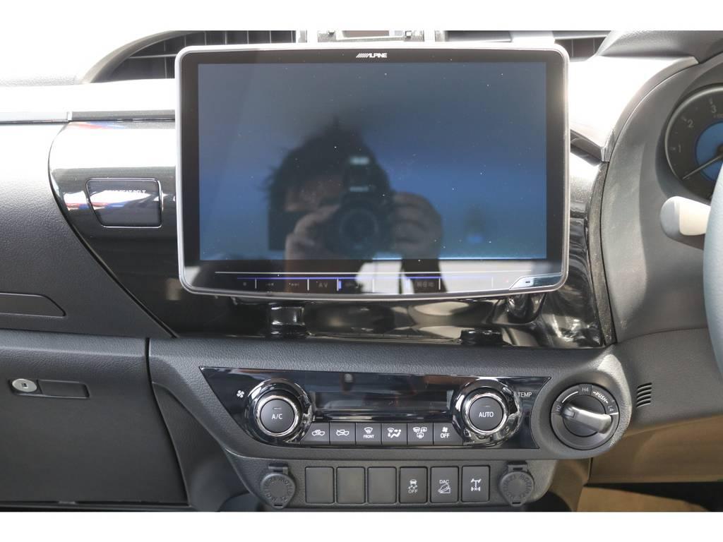 せっかく入れるなら大画面の11インチナビですよね!!後から入れることを考えたら最初から入ってたらうれしいですね! | トヨタ ハイラックス 2.4 Z ディーゼルターボ 4WD Z 新車未登録車 11インチナビ