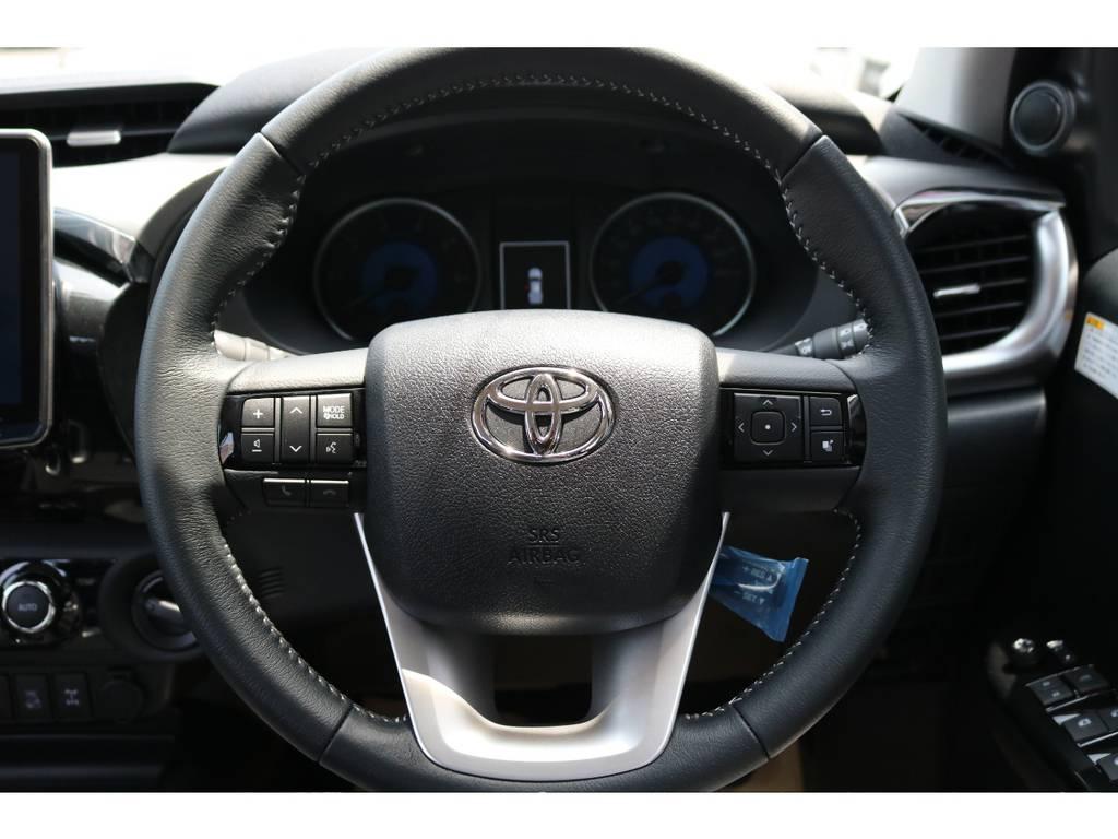 ステアリングスイッチも付いておりますので、オーディオなどの操作も楽々です! | トヨタ ハイラックス 2.4 Z ディーゼルターボ 4WD Z 新車未登録車 11インチナビ