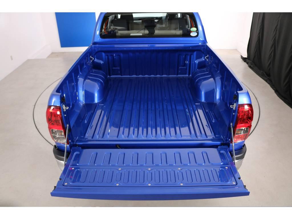荷台も大きく、オプションでベットライナーなどを入れられる方も多く、追加オプションも承ります! | トヨタ ハイラックス 2.4 Z ディーゼルターボ 4WD Z 新車未登録車 11インチナビ