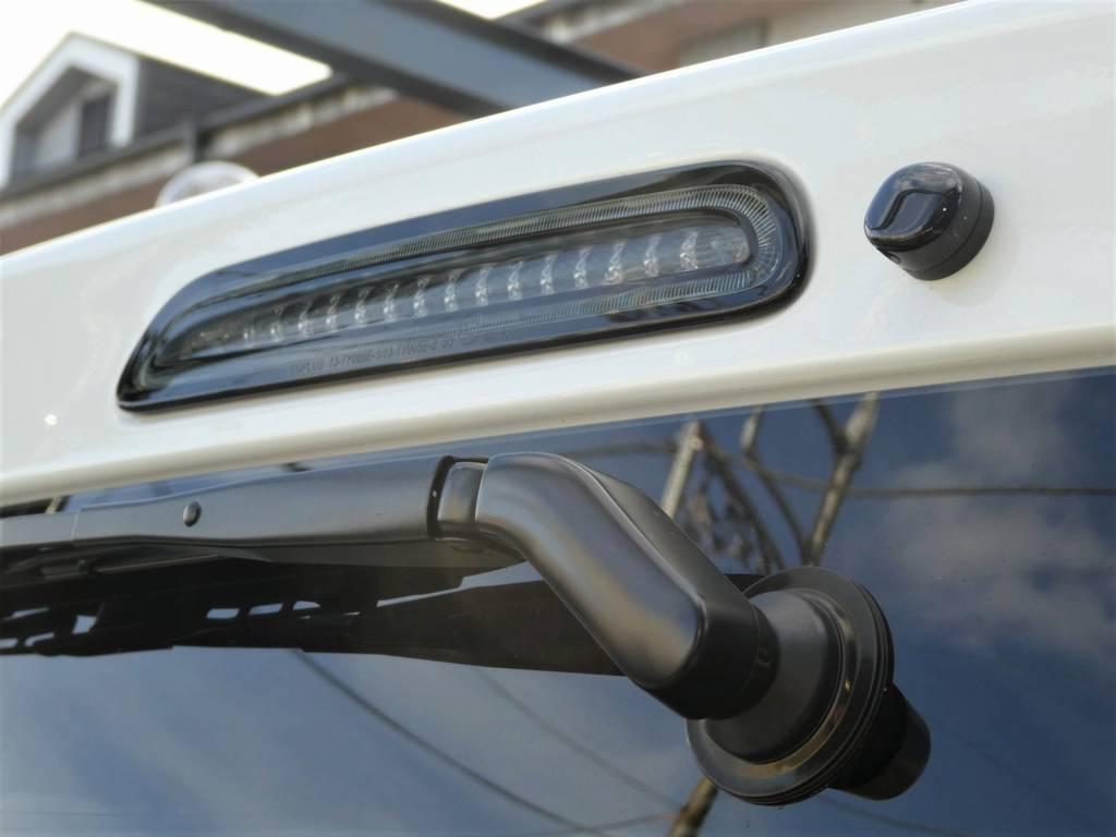 ハイマウントランプもブラックで統一!! | トヨタ ハイエースバン 2.8 スーパーGL ダークプライムⅡ ロングボディ ディーゼルターボ Ultimate Line