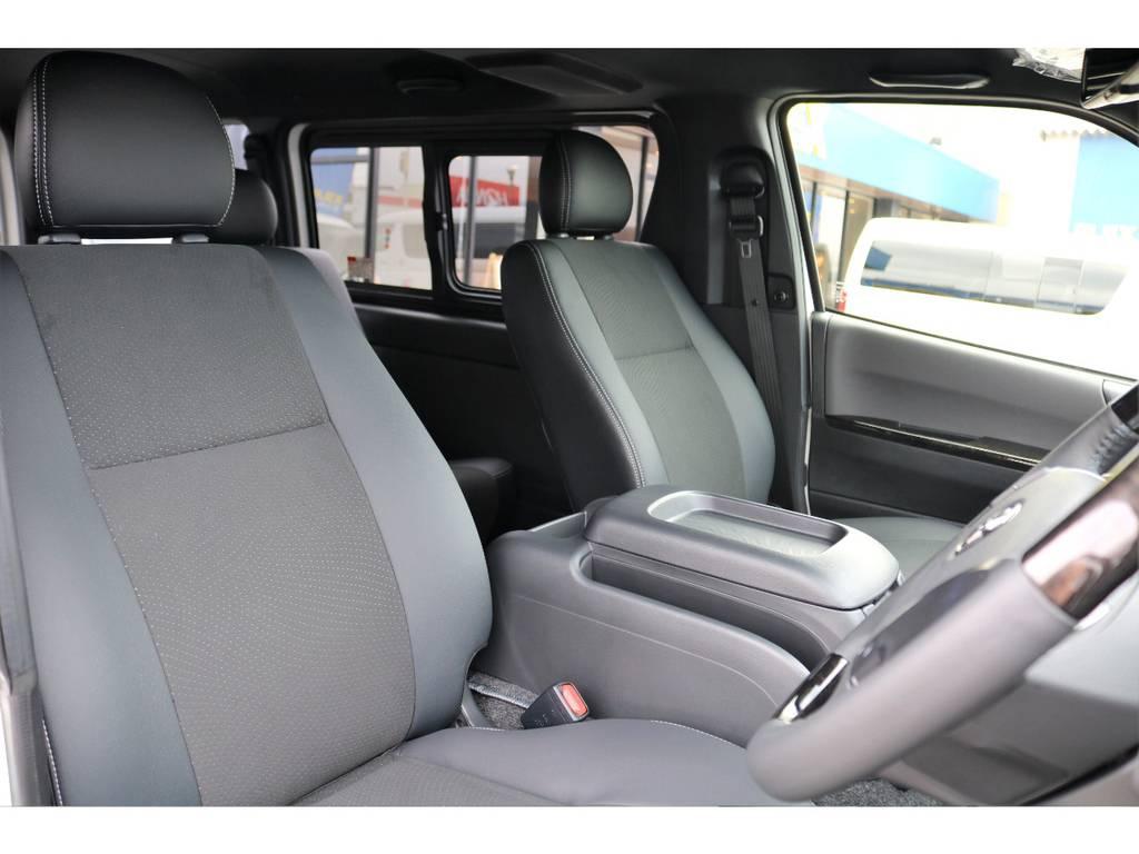 シートも特別仕様車専用のハーフレザーシート!!   トヨタ ハイエースバン 2.8 スーパーGL ダークプライムⅡ ロングボディ ディーゼルターボ カスタムPKG
