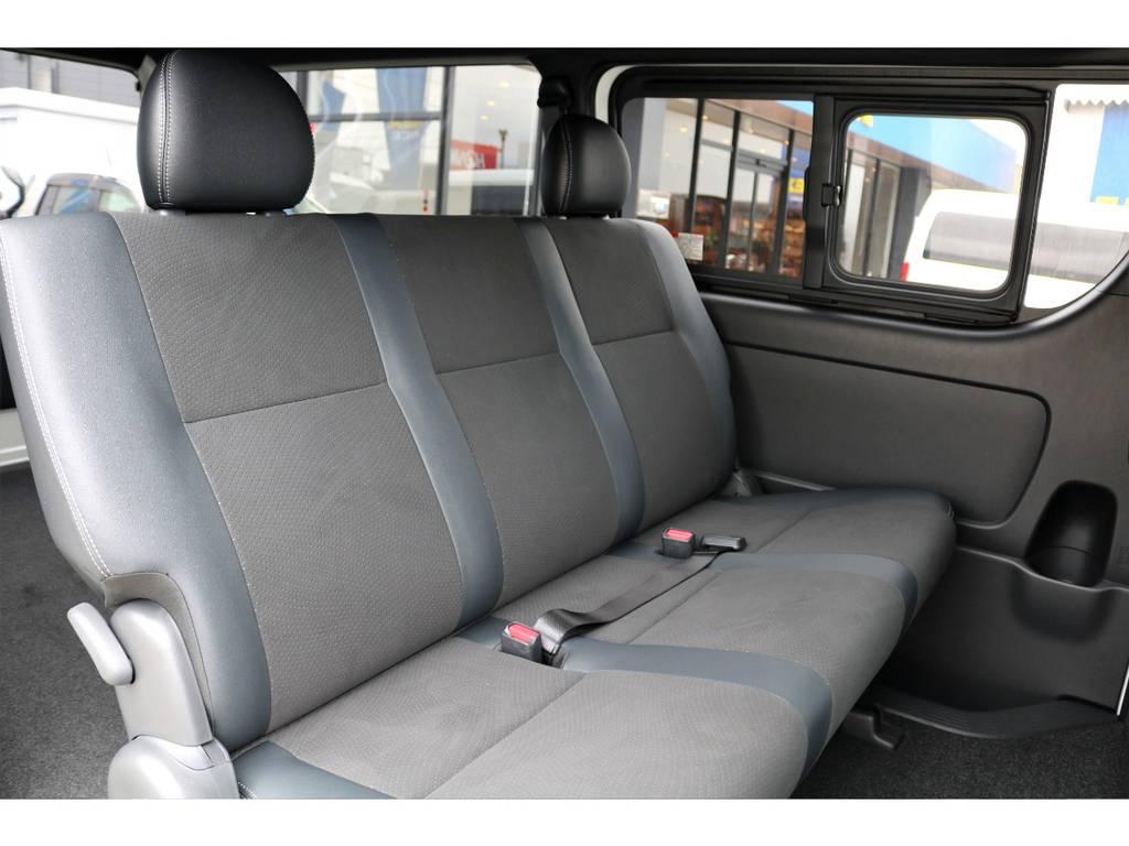 ハーフレザーシートは高級感があり、座り心地も良いですよ!!   トヨタ ハイエースバン 2.8 スーパーGL ダークプライムⅡ ロングボディ ディーゼルターボ カスタムPKG