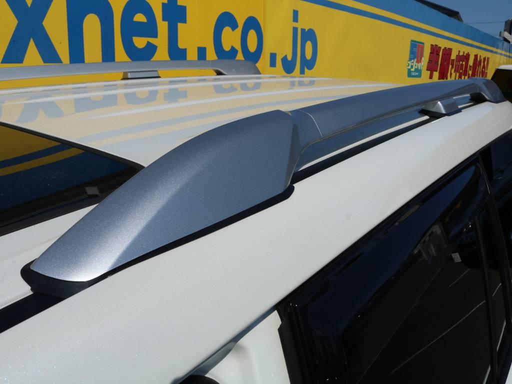 オプション品のルーフレール(シルバー)も装着済み!下回りに目が行きがちなところアイポイントをルーフに向けてくれるアイテムです♪もちろん実用性も抜群です★ | トヨタ ランドクルーザープラド 2.8 TX ディーゼルターボ 4WD 5人 CLIMATE BODYキット
