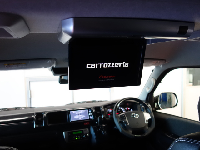 トリプルナビパッケージ装備!! | トヨタ ハイエース 2.7 GL ロング ミドルルーフ 4WD R1シートアレンジ施工