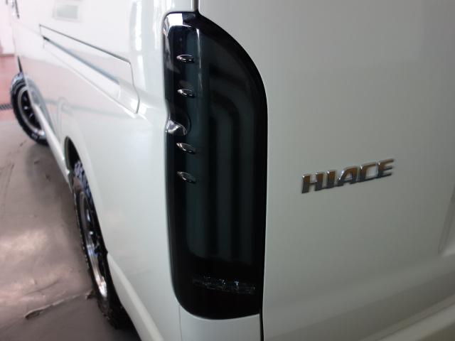 ヴァレンティーREVO1テールライト装備!! | トヨタ ハイエース 2.7 GL ロング ミドルルーフ 4WD R1シートアレンジ施工
