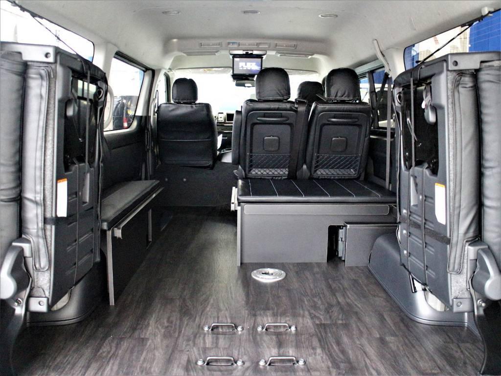 多くの荷物を載せたい時でも4列目を跳ね上げてベッドマットを収納すればご覧の通り広大なスペースとなります! | トヨタ ハイエース 2.7 GL ロング ミドルルーフ 4WD 4WDシートアレンジR1