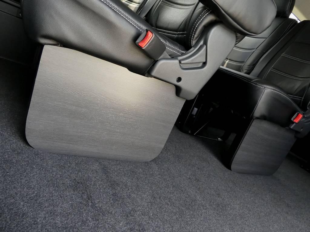 2、3列目にはFLEXオリジナルフットパネルをセット!! | トヨタ ハイエース 2.7 GL ロング ミドルルーフ TSS付 ツインナビカスタム