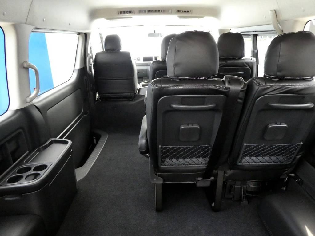 4列目足元は広々空間ですね☆彡 | トヨタ ハイエース 2.7 GL ロング ミドルルーフ TSS付 ツインナビカスタム