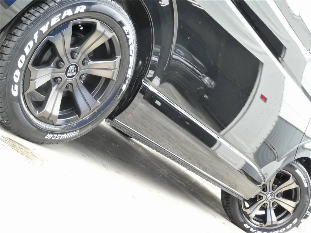 サイドラインを美しく彩るアルミフェイス!! | トヨタ ハイエース 2.7 GL ロング ミドルルーフ TSS付 ツインナビカスタム