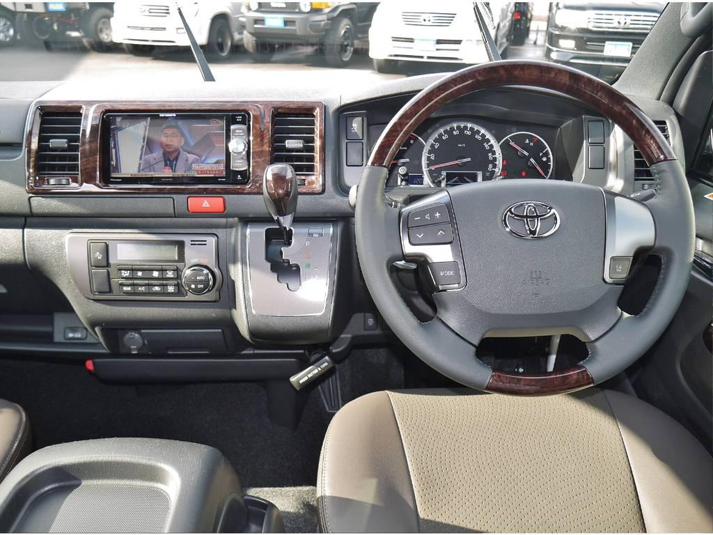 | トヨタ ハイエースバン 2.8 スーパーGL 50TH アニバーサリー リミテッド ロングボディ ディーゼルターボ 4WD 50TH