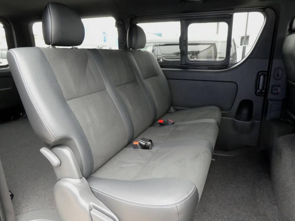 後席も当然!ハーフレザーシートを配備!! | トヨタ ハイエースバン 2.8 スーパーGL ダークプライムⅡ ロングボディ ディーゼルターボ 4WD ワイルドフィールド