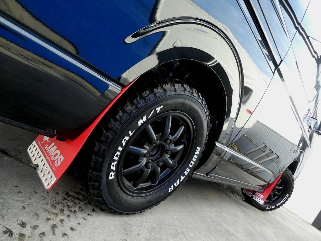サイドラインを力強く彩るアルミフェイス!! | トヨタ ハイエースバン 2.8 スーパーGL ダークプライムⅡ ロングボディ ディーゼルターボ 4WD ワイルドフィールド