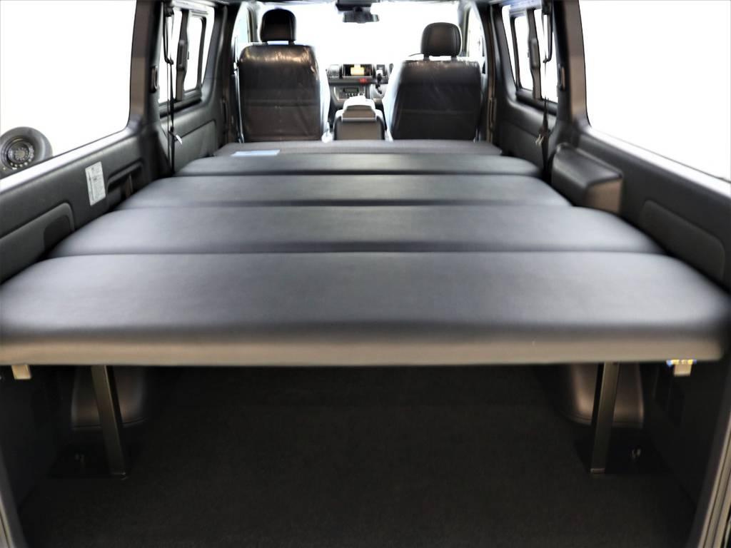 高さ5段階調整可能!セカンドシートを倒してフルフラットにもなります! | トヨタ ハイエースバン 2.8 スーパーGL 50TH アニバーサリー リミテッド ロングボディ ディーゼルターボ 4WD FLEXベッドキット