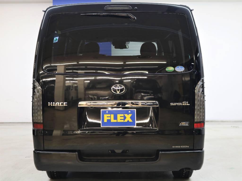 リアビューもかっこいいですね! | トヨタ ハイエースバン 2.8 スーパーGL 50TH アニバーサリー リミテッド ロングボディ ディーゼルターボ 4WD FLEXベッドキット