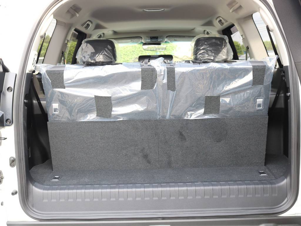 サードシート立ち上げで7人乗りにできます!格納でフラットになり便利!   トヨタ ランドクルーザープラド 2.7 TX Lパッケージ 4WD 7人 新車未登録車 9インチナビ