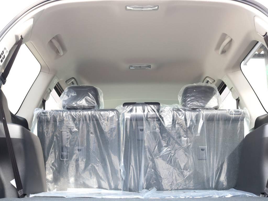 広々した天井!フリップダウンモニターの取り付け事例もございます。   トヨタ ランドクルーザープラド 2.7 TX Lパッケージ 4WD 7人 新車未登録車 9インチナビ