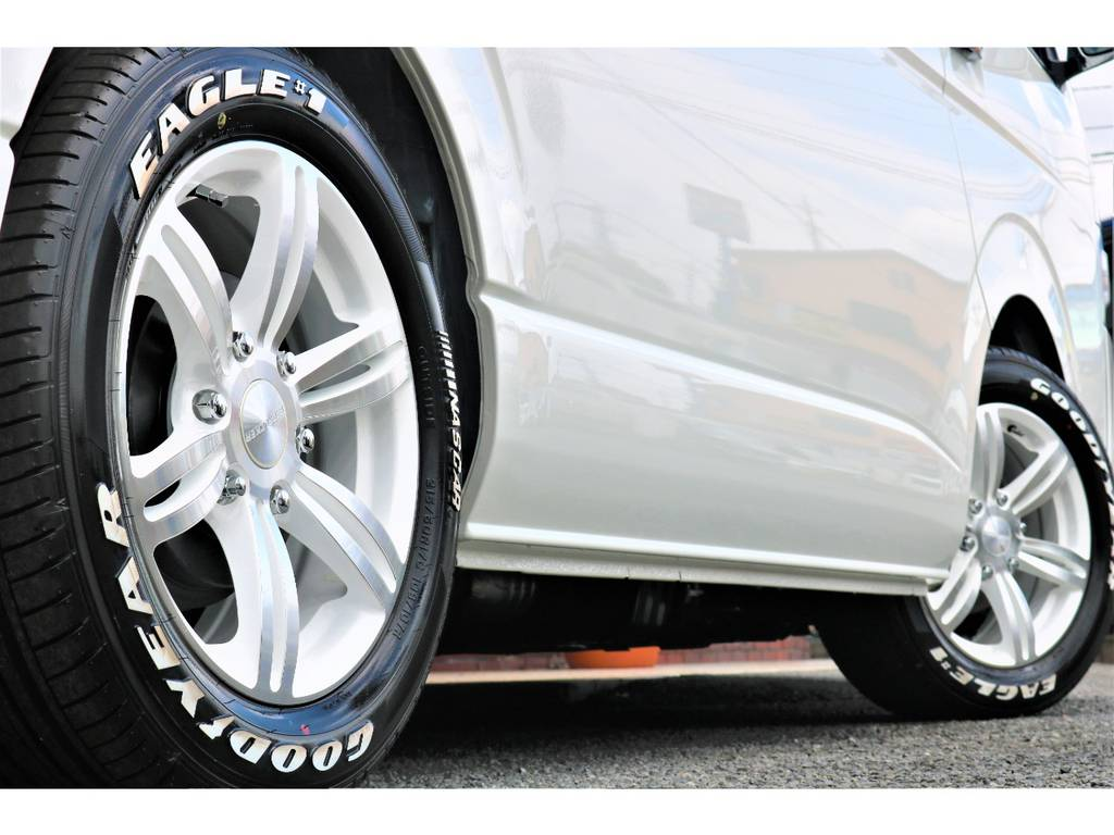 バットラッカー17インチアルミホイール&ナスカータイヤ! | トヨタ ハイエース 2.7 GL ロング ミドルルーフ 4WD TSS付フレックスVer2内装架装