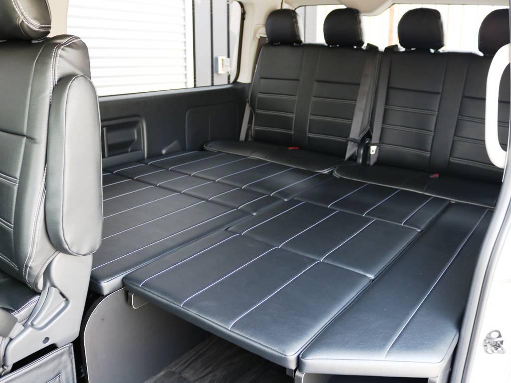 3列目以降はベッド展開が可能です! | トヨタ ハイエース 2.7 GL ロング ミドルルーフ TSS付 内装アレンジR1