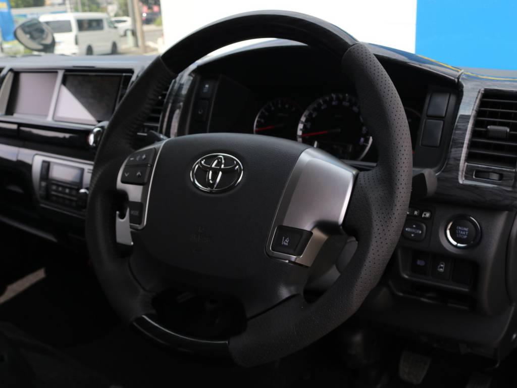 黒木目調インテリアパネルキット!ハンドル&シフトノブも交換済み♪ | トヨタ ハイエース 2.7 GL ロング ミドルルーフ 4WD アレンジR1 トリプルナビ