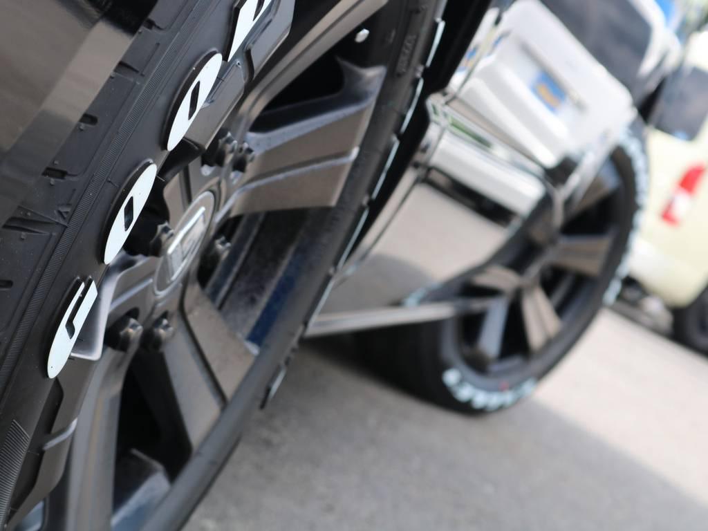 程良い1.5インチのローダウン施工済みです♪ | トヨタ ハイエース 2.7 GL ロング ミドルルーフ 4WD アレンジR1 トリプルナビ